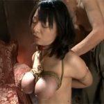 【ひとずま熟女SM動画】ハゲジジイに緊縛調教される巨乳おばさん…縛った乳房やお尻を鞭責めw