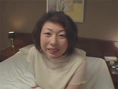 【ひとずま熟女セックス動画】おまんこをツルツルに剃毛してきた巨乳おばさんのアナルを生チンポで犯し中出しw