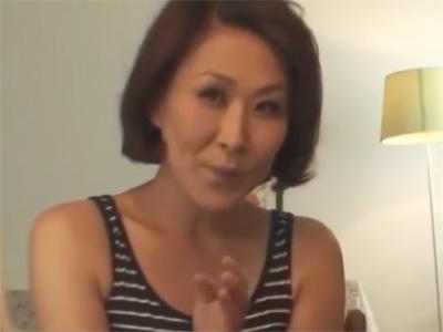 【ひとずま熟女セックス動画】40過ぎて性欲マシマシのおばさんがAVに出演し可愛らしく感じまくるw