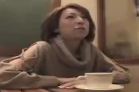 【ひとずま熟女無料動画】欲求不満のマダムを即ハメ カーセックスだけでは納まらずホテルで種付け